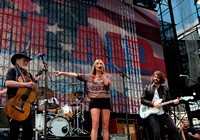 Willie Nelson joins Grace Potter  at Farm Aid 2012 / photo credit: Maria Ives